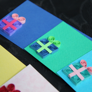 Diy cute paper quilled gift cards tags honey 39 s quilling for How to make your own quilling paper
