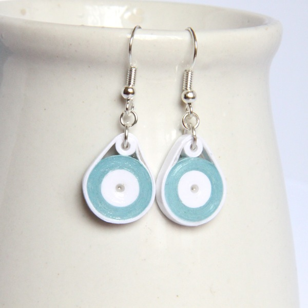 Quilling Papers Earrings: How To Use Sealant With Your Paper Quilling